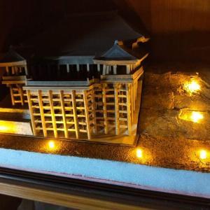 ペーパークラフト「清水寺」を作る④ 100円でライトアップ