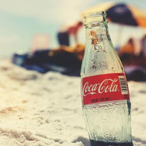 【ビジネススキル】コカ・コーラから学ぶ、自分の強みを活かして市場を奪う方法。