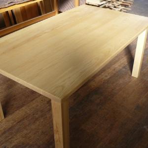 野球のバット材 ホワイトアッシュ無垢材シンプルダイニングテーブル