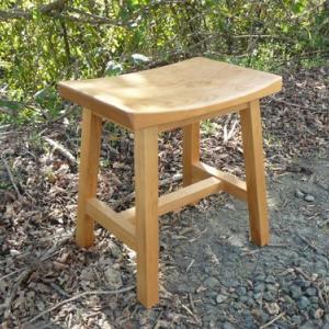 心地いい人気のスツール椅子 アルダー材