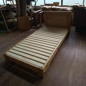リピートオーダー 呼吸や健康にやさしい仕上げアルダー材シングルベッド