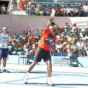 テニス【スマッシュが苦手な中級者が身につけたい】打ち方と練習方法