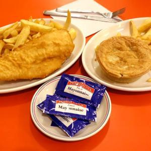 【イギリス|ロンドン】フィッシュアンドチップスとキドニーパイ