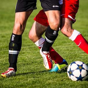 サッカー・フットボール・フットサルの違いって何?