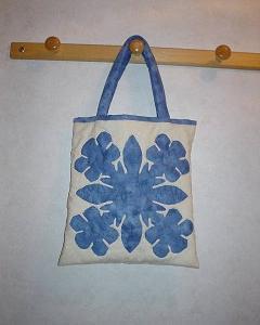 ハワイアン・アップリケのバッグ