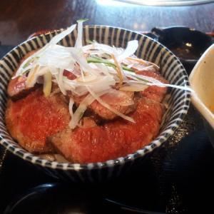 【仙台駅前】ローストビーフ丼なら仔虎