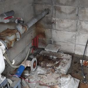 井戸設備・建屋の撤去開始(松山市久米窪田町)