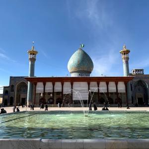 2020/1/1 シーラーズ観光2 シャー・チェラーグ廟とか観光して、飛行機でテヘランに移動します