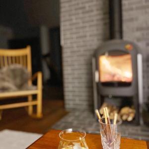 山の家 冬の薪ストーブ