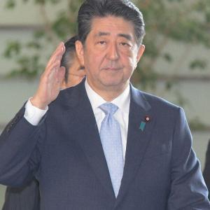 安倍晋三「私が責任を持つ!」 独断で全国休校を強行