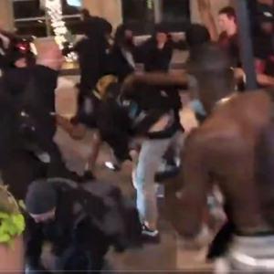 【これが民主主義か】 ダラスの店主が暴徒に投石でボコボコに惨殺される衝撃映像が公開される