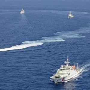 中国海警局、中国海軍と一体運用に 日本領海の侵犯など活動が活発化傾向、周辺国も懸念を強める