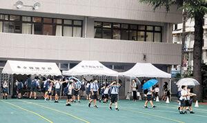 小さな校舎に押し込められる東京韓国学校の生徒達…極右の小池は弾圧をヤメロ