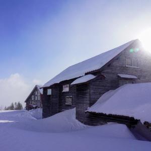 厳冬期の乗鞍岳・位ヶ原山荘にて、絶品の鹿鍋を食す