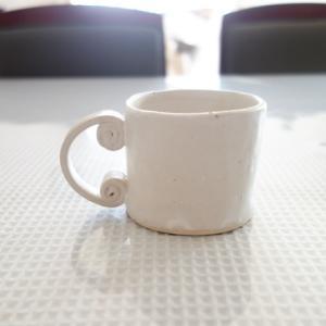 小ぶりなマグカップ★信楽白御影土+白マット