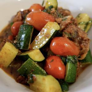 美味レシピ!サバ缶とズッキーニとミニトマトの梅炒め