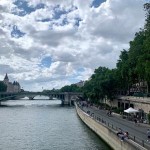 日常を取り戻しつつあるフランス
