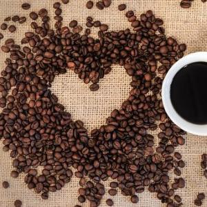 コーヒー豆の賞味期限はどれくらい?腐るとどうなる?保存方法は冷凍もOK?