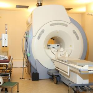 脳脊髄液減少症の検査のMRI撮影