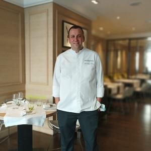 パレ・ロワイヤル隣のレストラン「ル・リュリ」!Orieuxシェフのインタビュー