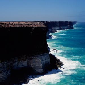 「バンダクリフ」オーストラリア・ナラボー平原の断崖絶壁