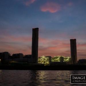 海上から撮影した「JERA・川崎火力発電所の夜景」