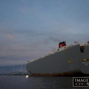 運べる車は6500台!「自動車運搬船 GENIUS HIGHWAY」
