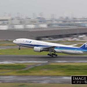 ボーイング 777-200(ANA JA8198)