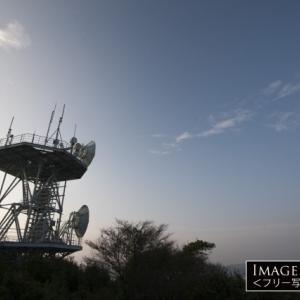 三浦半島の双子山山頂の電波塔