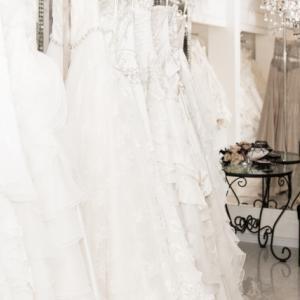 165cm以上の花嫁さん必見!高身長さんのウエディングドレスのポイントは?ヒールは?