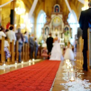 教会式の歴史や流れを知ろう!ベールダウンや指輪交換にはどんな意味があるの?