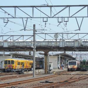 2020.7/18 とりてつ(予讃線 多度津駅)~新旧アンパンマン列車交換~