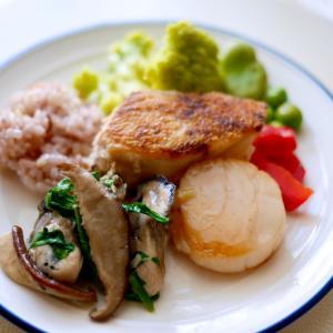 《手作りごはん》鰆とホタテのグリル、牡蠣とルッコラのソテー