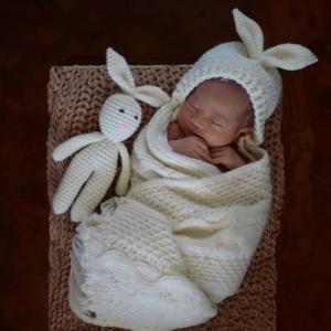 授乳時間になっても起きない!新生児の起こし方7選【助産師解説】