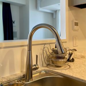 デルタのグースネック水栓に交換ーキッチンインテリアー