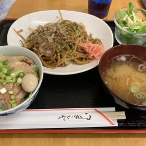 道の駅 湧水の郷しおや 実のり食堂|太麺の特製焼きそばが絶品