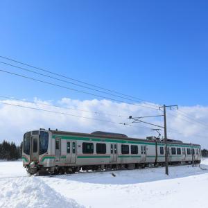 E721系、雪晴れの猪苗代