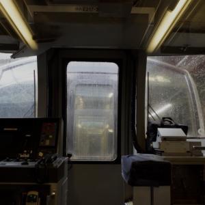 E217系、増4号車から1号車を見る