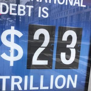 マネーリテラシー×国の借金×国民一人当たり×大嘘か?