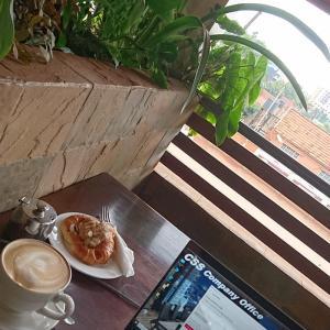 外は雨が。。。(-。-;) in JAVA Cafe