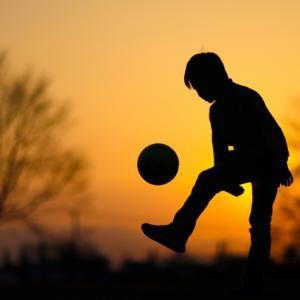 サッカー始めたばかりの大人でも最短で上達するリフティング練習方法とは?