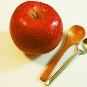 離乳食でりんごをそのまま食べさせていいのはいつから?〜ママさん必見時期別レシピもご紹介〜