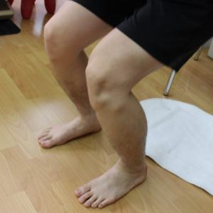 膝の痛みの原因を見つけました 動画