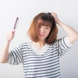 プチプラ『あんず油』でアホ毛や髪の広がりを抑える方法【乾燥対策】