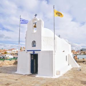 ギリシャ・アテネからフェリーで約40分!美しい海が望める『ギリシャ・アイギナ島』を散策してみた!