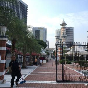 MUDと旧最高裁判所ビルをお散歩。
