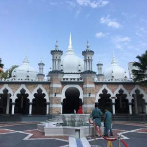 クアラルンプール最古のモスク、マスジット・ジャメ
