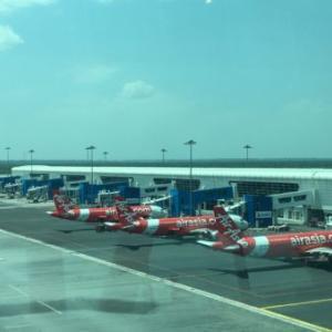 KLIAエクスプレスで、KLセントラル駅からKLIA2空港へ移動。