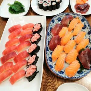 昨夜は外食やめて家でお寿司にしてみました安上がりで助かります!