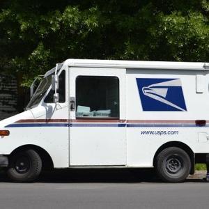 無料で梱包資材(ボックス・パウチなど)を注文 -How to get UPS & USPS Shipping Supplies。USPS料金表・副業やプライベートにも。(アメリカ在住者用)